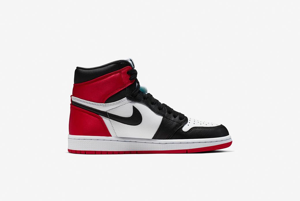 Air Jordan 1 Satin Black Toe: женский вариант