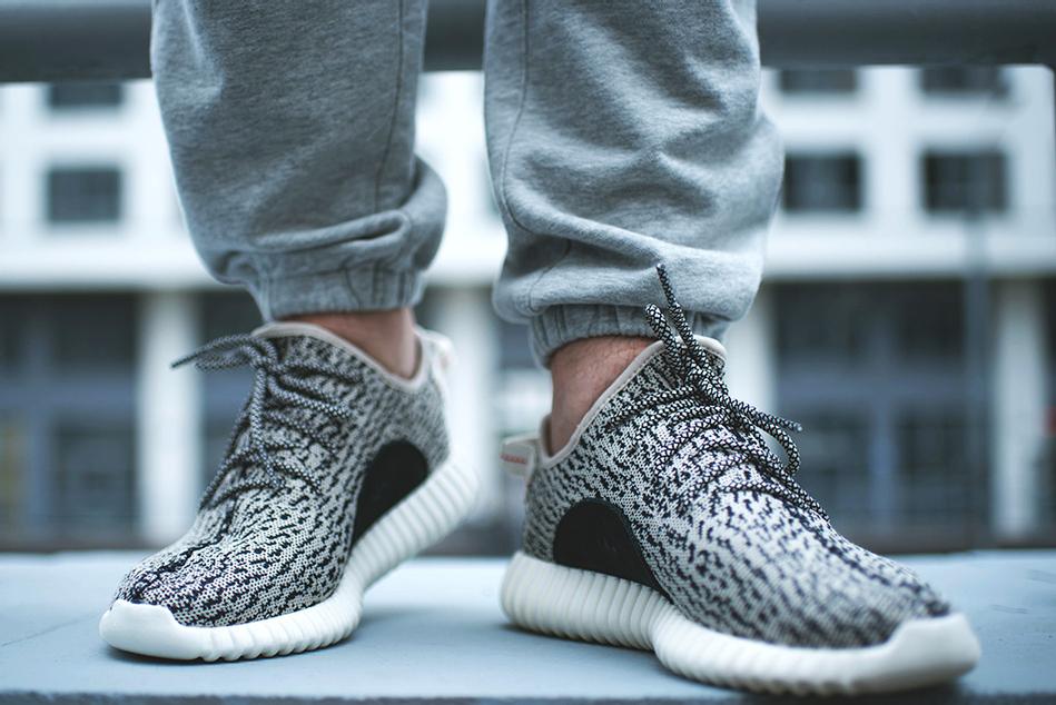 adidas Originals Yeezy 350 Boost Low