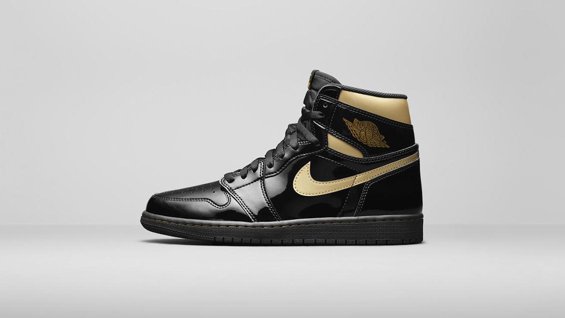 Air Jordan 1 High OG Black/Metallic Gold