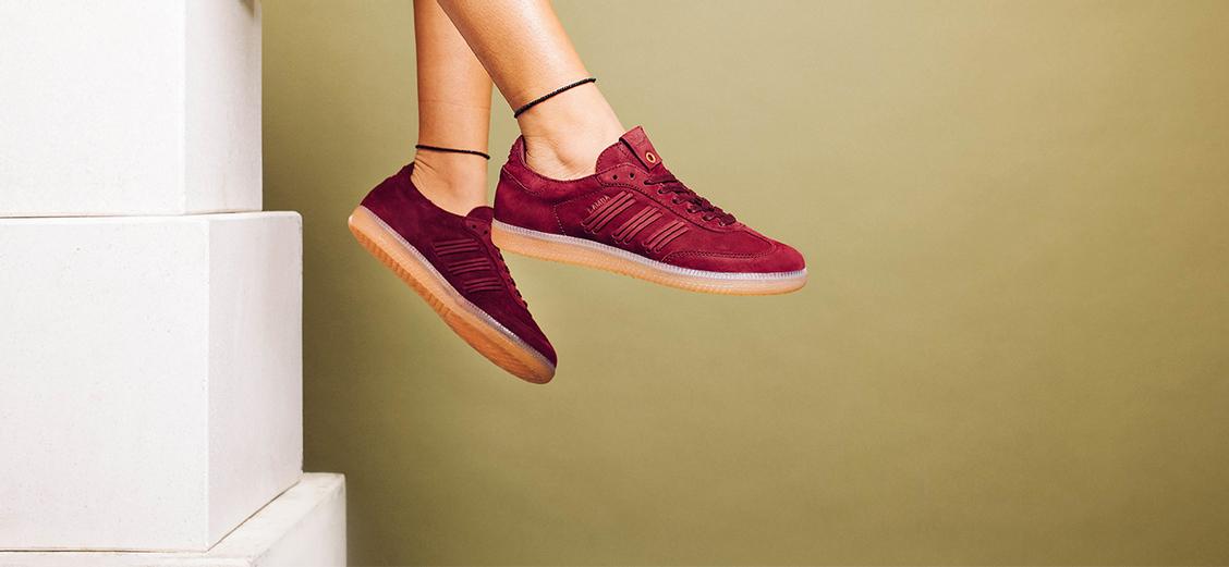 "adidas Consortium Samba ""Deep Hue"": женский день"