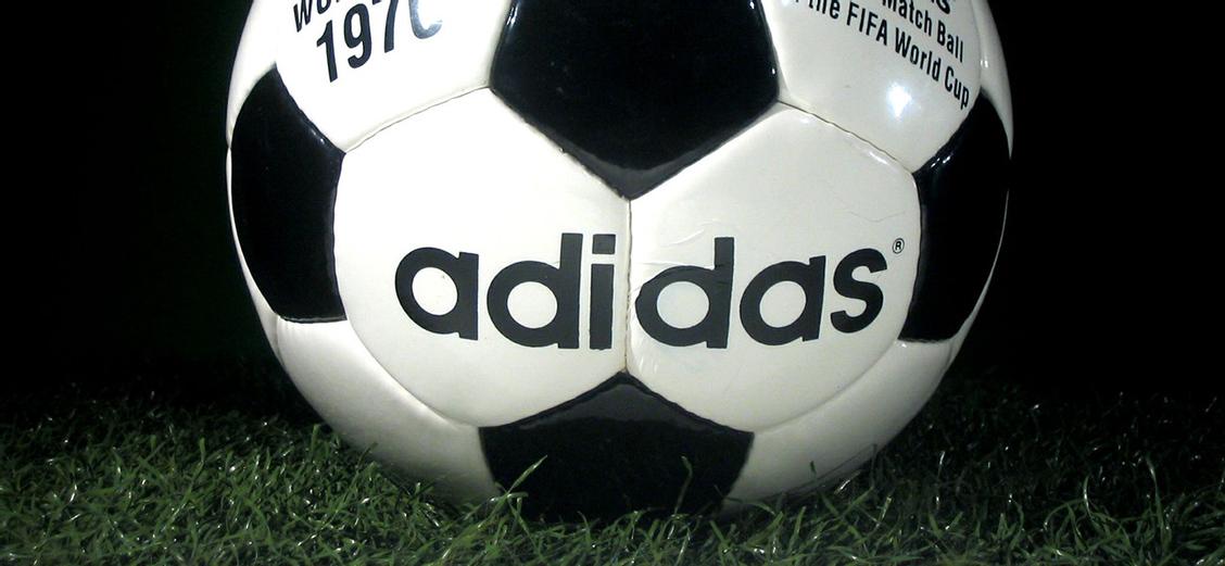 adidas Football: первые бутсы Дасслера и победы на чемпионатах