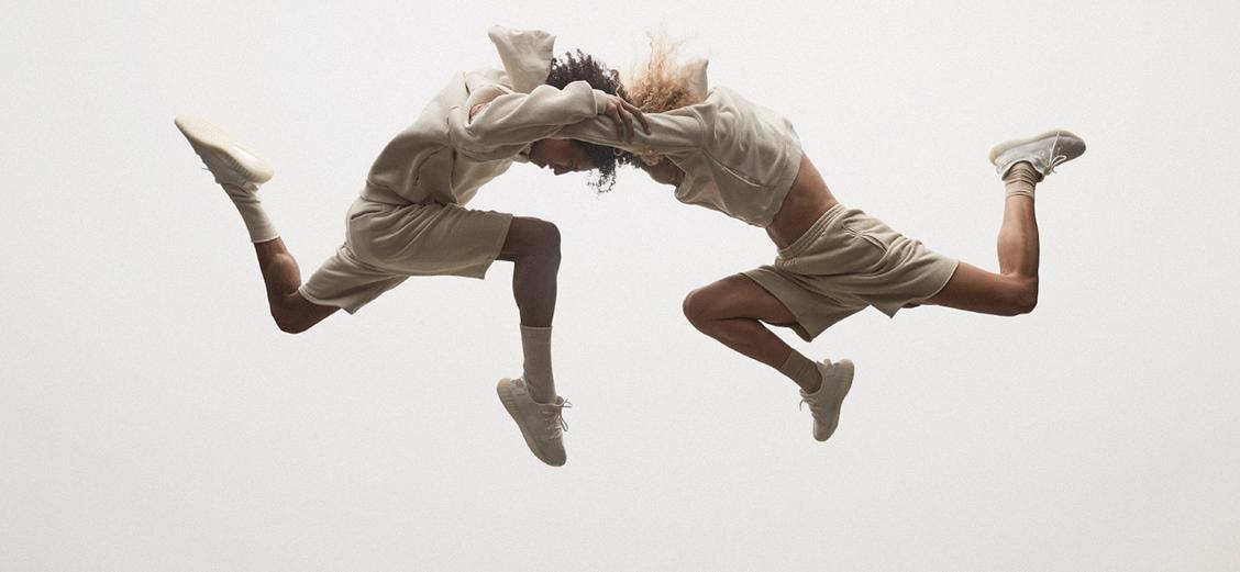 "adidas YEEZY BOOST 350 V2 ""TRIPLE WHITE"" Lookbook"