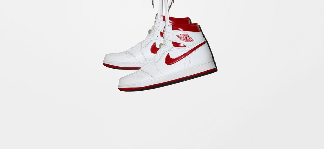 "Nike Air Jordan 1 Retro High OG ""Metallic Red"": баскетбольный глянец"