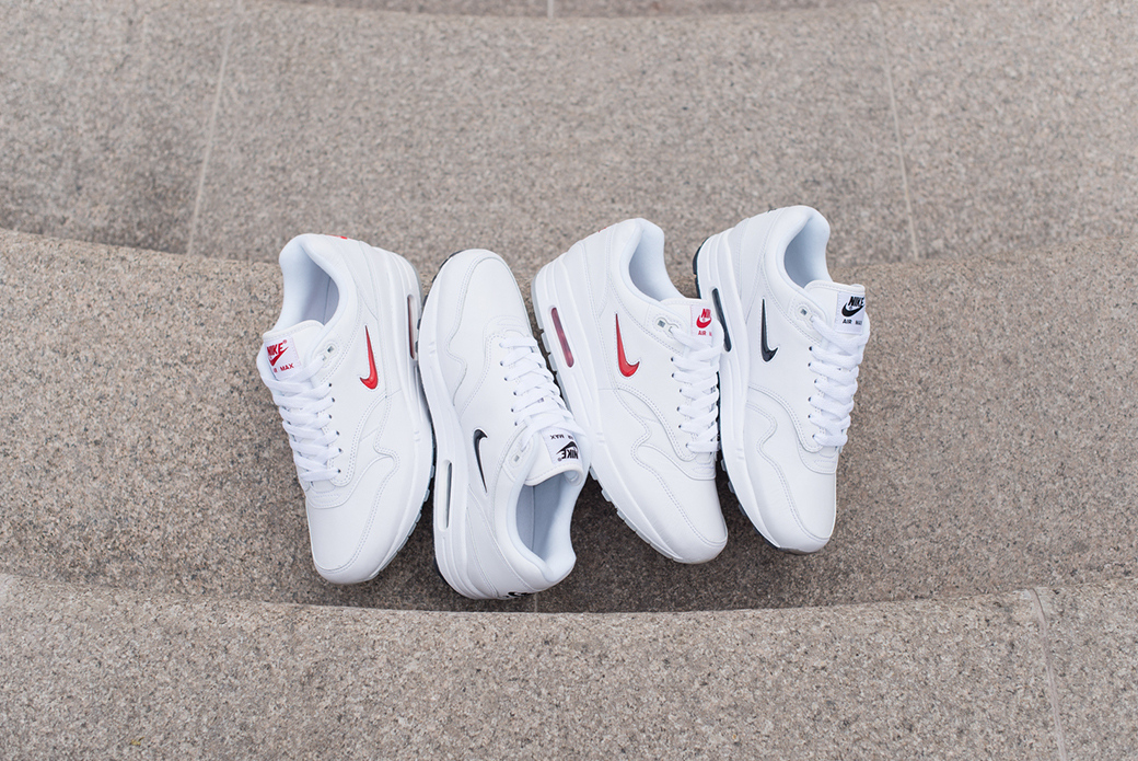 Nike Air Max 1 Premium SC: минимализм по учебнику