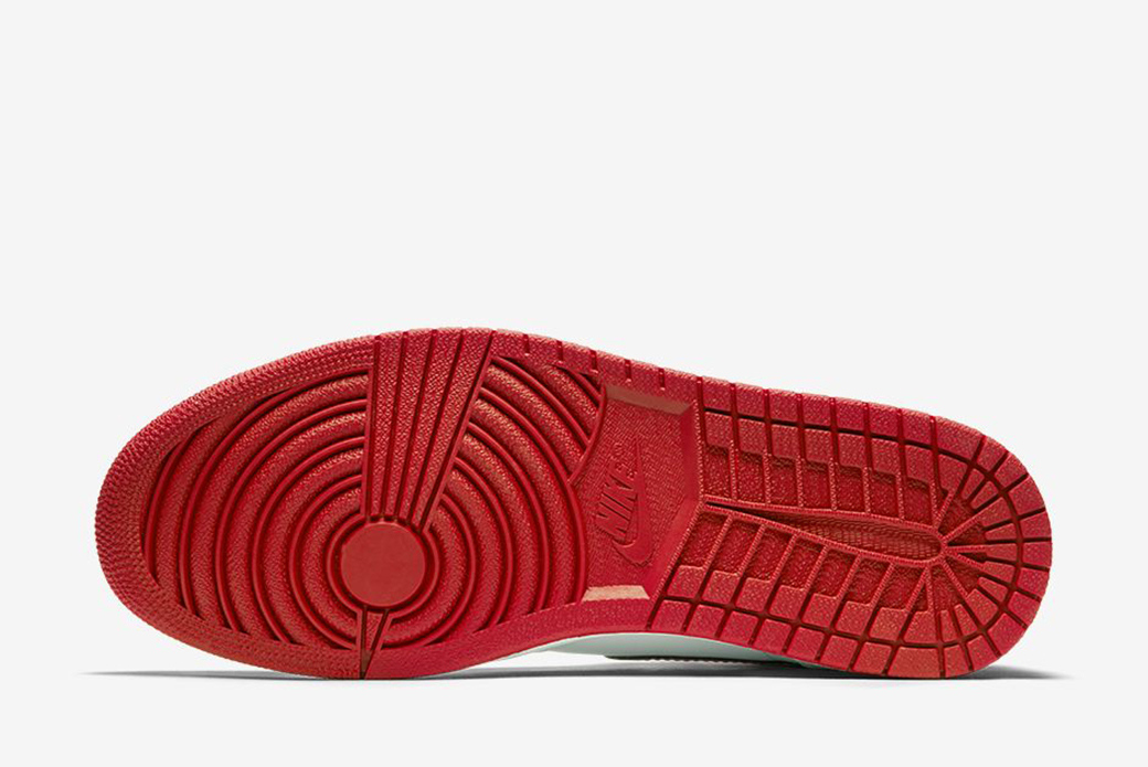 Nike Air Jordan 1 Retro High OG Metallic Red: баскетбольный глянец