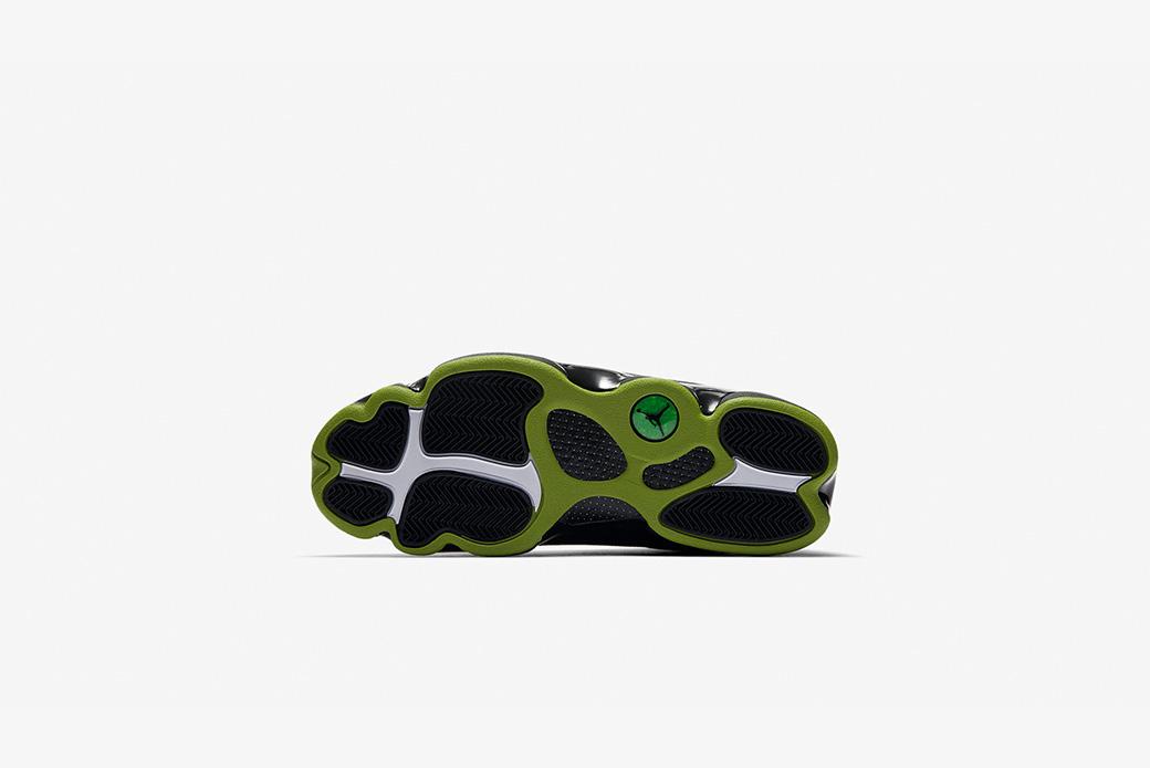 Air Jordan 13 Retro: зелёные акценты