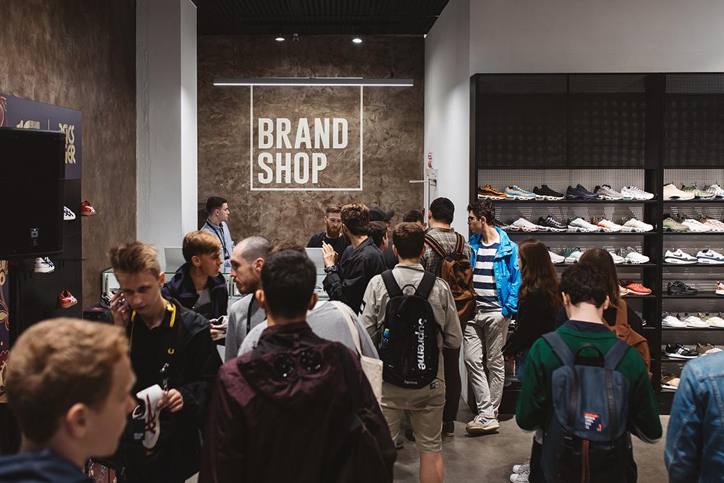 Как это было: ASICSTiger × Brandshop
