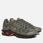 Подростковые кроссовки Nike Air Max Plus SE GS Dark Stucco/Total Orange/Olive Black фото- 2