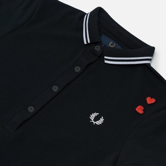 Женское поло Fred Perry x Amy Winehouse Embroidered Love Hearts Black