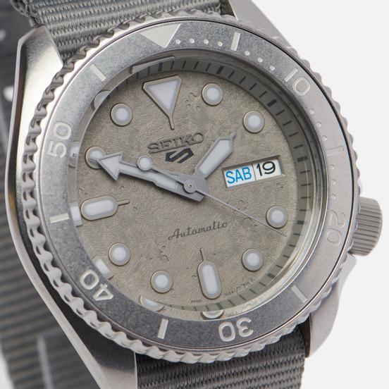 Наручные часы Seiko SRPG61K1S Seiko 5 Sports Grey/Grey/Grey