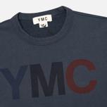 Мужская толстовка YMC Logo Print Crew Neck Navy фото- 1