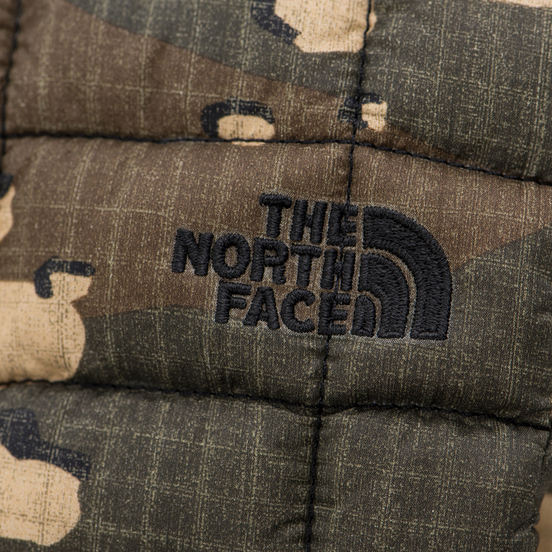 Варежки The North Face Thermoball Mitt Burnt Olive Green/Woodchip Camo Print