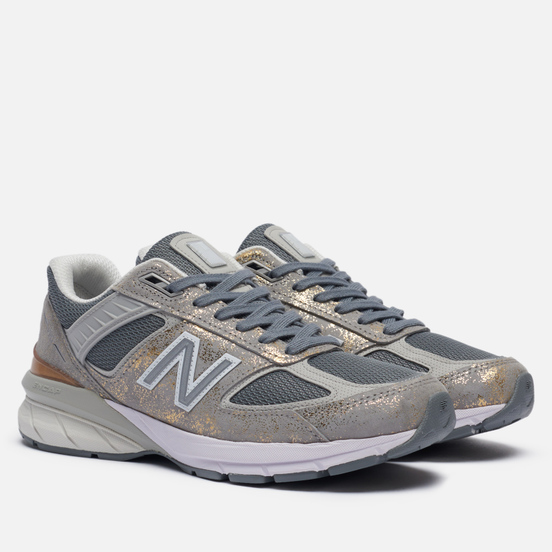 Женские кроссовки New Balance 990v5 Moonbeam/Silver