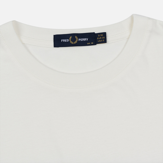 Женская футболка Fred Perry Embroidered Panel Snow White