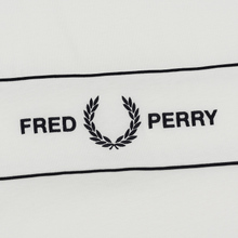 Женская футболка Fred Perry Embroidered Panel Snow White фото- 2