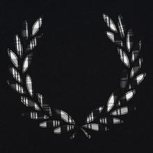 Женская футболка Fred Perry Tartan Laurel Wreath Black фото- 2