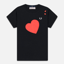 Женская футболка Fred Perry x Amy Winehouse Heart Detail Black фото- 0