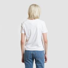 Женская футболка Tommy Jeans Arrow Graphic Classic White фото- 3