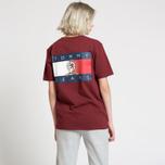 Женская футболка Tommy Jeans Crest Flag Cabernet фото- 3