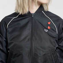 Женская куртка бомбер Fred Perry x Amy Winehouse Embroidered 50's Black фото- 2