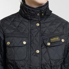 Женская стеганая куртка Barbour International Quilted Black/Black фото- 11