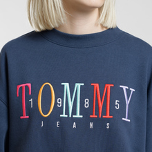 Женская толстовка Tommy Jeans Multicolor Embroidery Crew 1985 Black Iris фото- 2