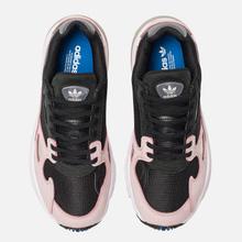 Женские кроссовки adidas Originals Falcon Core Black/Core Black/Pink фото- 1