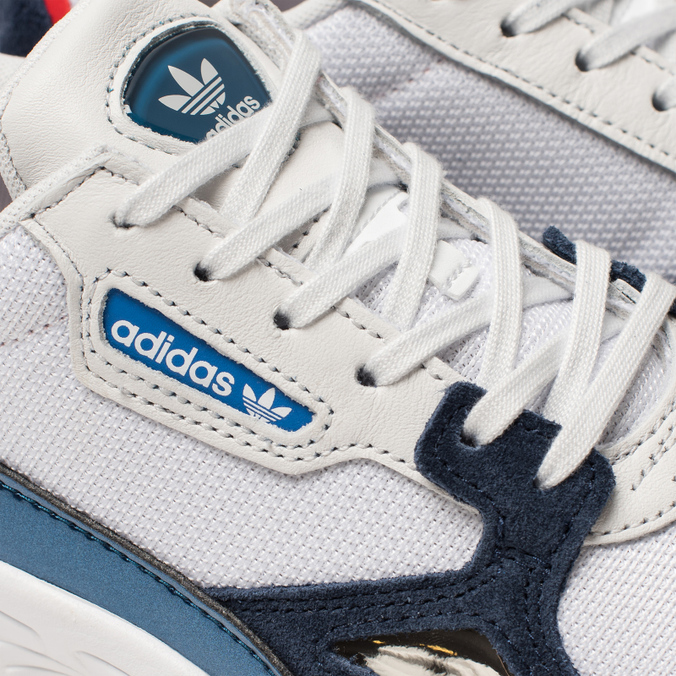 8a72c2cd Женские кроссовки adidas Originals Falcon Crystal White/Crystal White/Collegiate  Navy