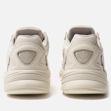 Женские кроссовки adidas Originals Falcon Off White/Raw White/Active Purple фото- 3
