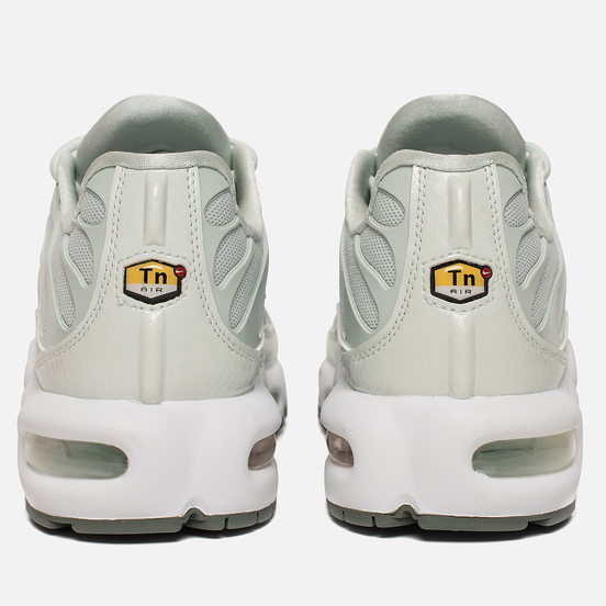 Женские кроссовки Nike Air Max Plus SE Barely Grey/Clay Green/Barely Grey
