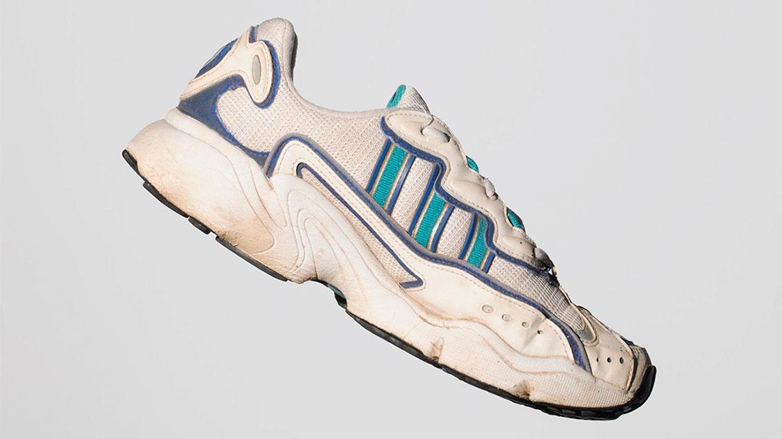 Кроссовки adidas Ozweego 3
