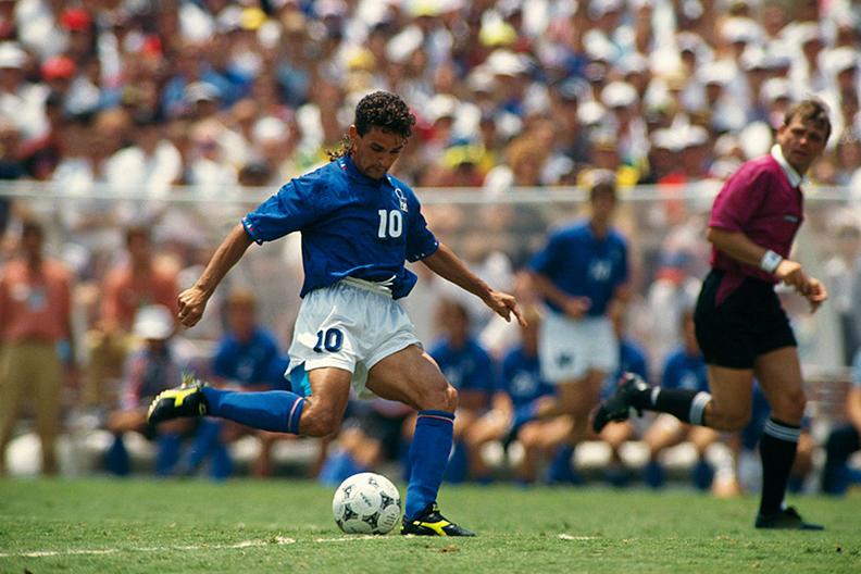 Роберто Баджо в футбольной экипировки отDiadora