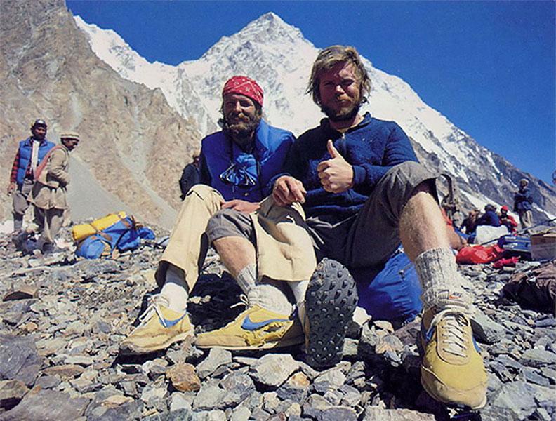 Альпинисты Рик Риджвэй и Джон Роскелли в кроссовках Nike