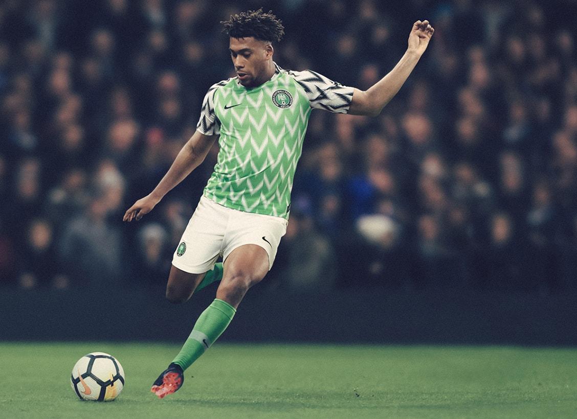 Официальная футбольная форма нигерийских «Суперорлов»