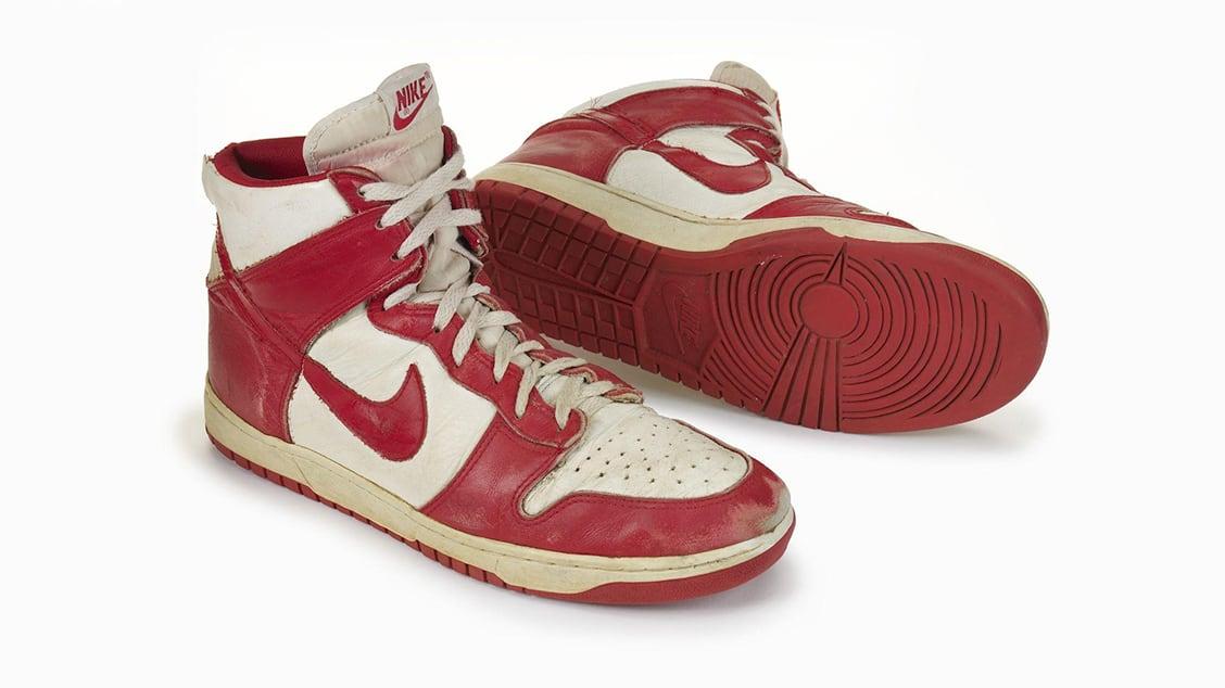 Оригинальная модель баскетбольных кроссовок Nike Dunk