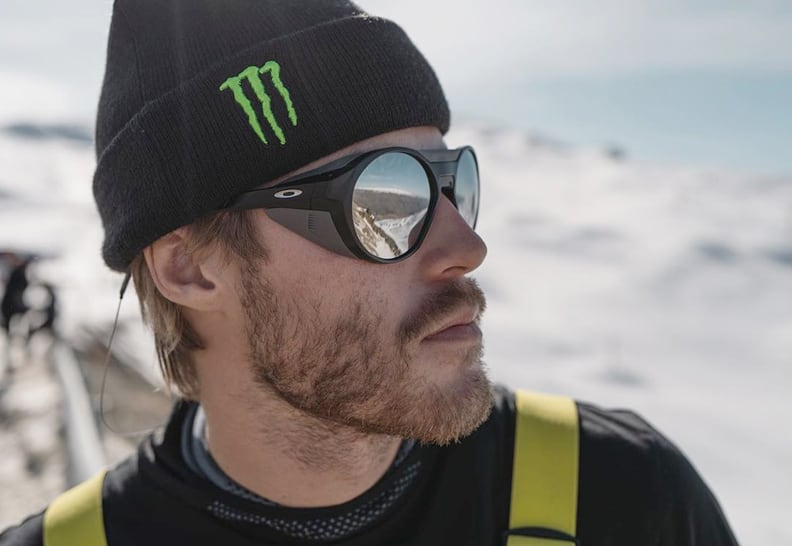 Норвежский сноубордист и атлет Oakley Столе Сандбек в оправе Oakley Clifden