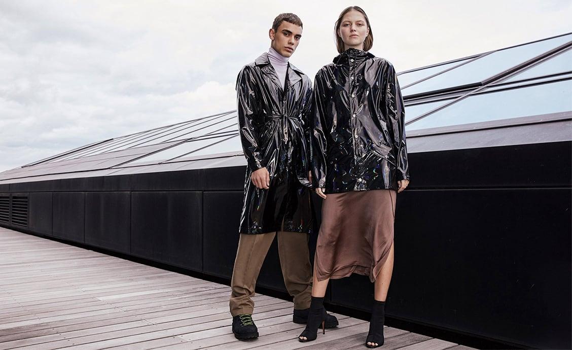Коллекция Rains Jacket «Holographic» с эффектом голограммы