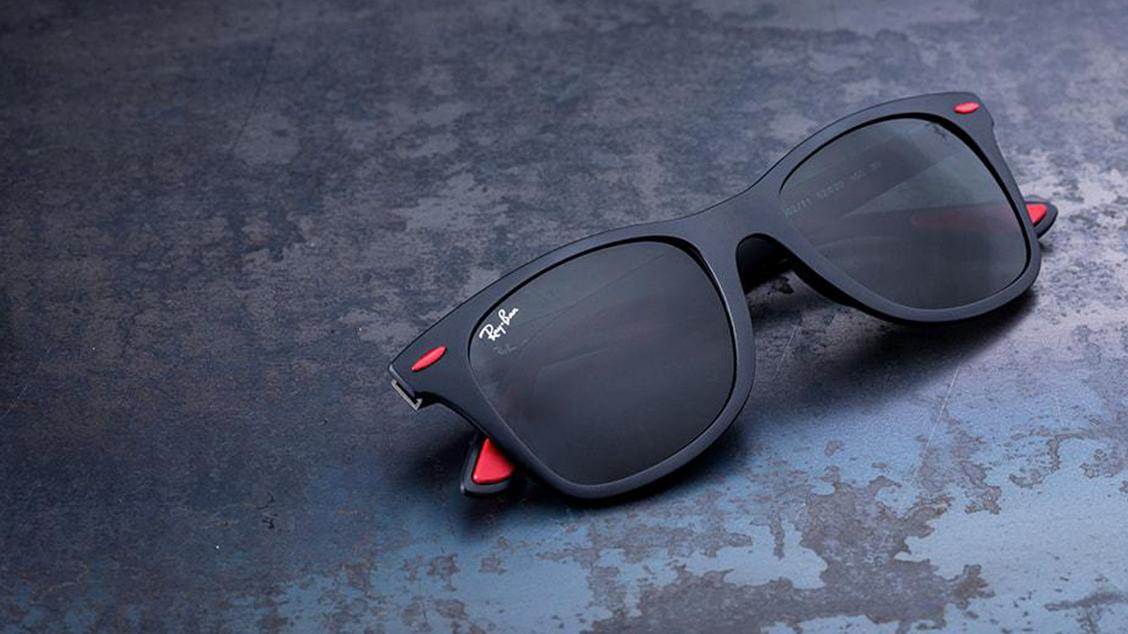 Очки, посвященные культовой команде F-1 Scuderia Ferrari
