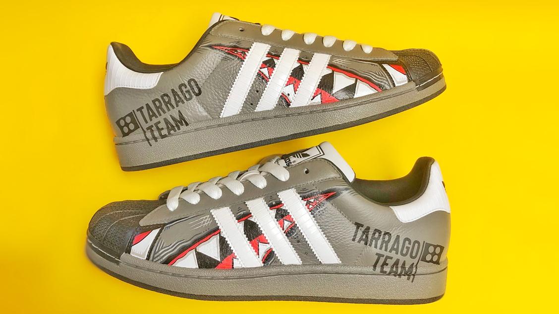 Специальный кастом для Tarrago Team от амбассадора бренда Melonkicks