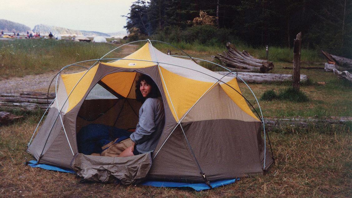 Купольная палатка Oval Intention установившая стандарт для легкого альпинистского снаряжения