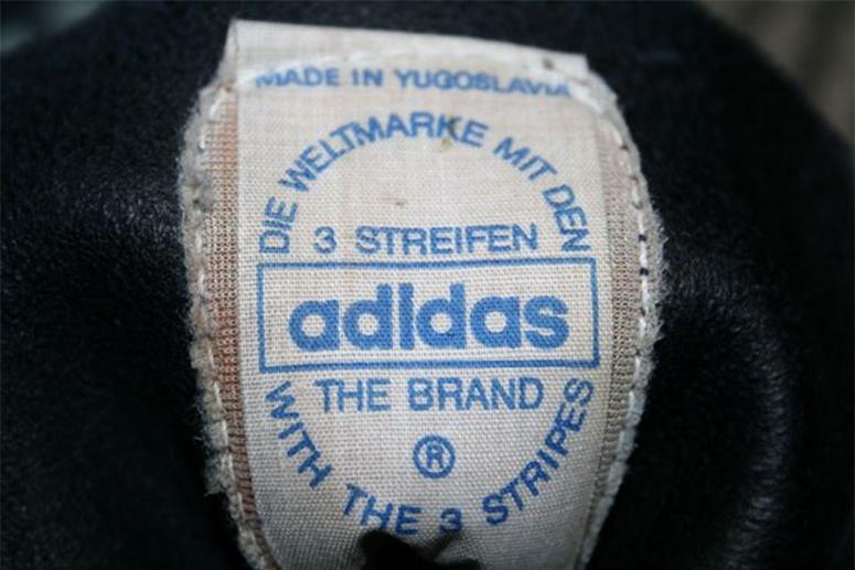 Язычок югославской версии adidas Originals Berlin