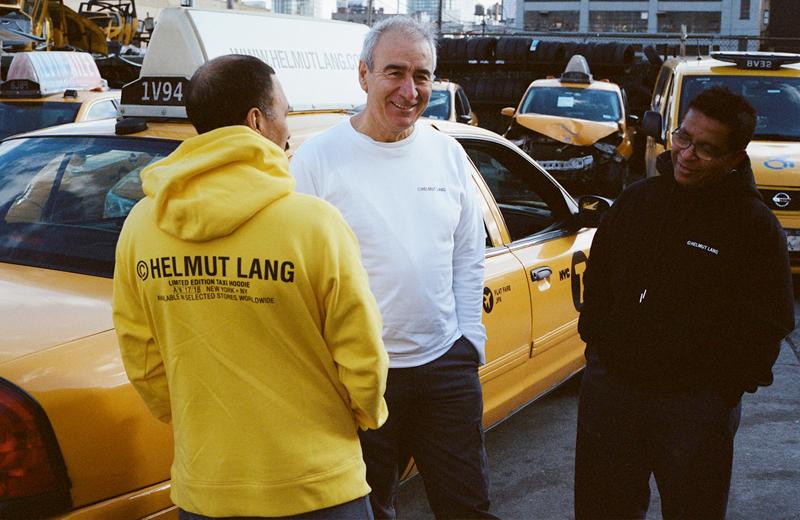 Перезапущенная в 2018 году рекламная кампания на такси в разных странах мира