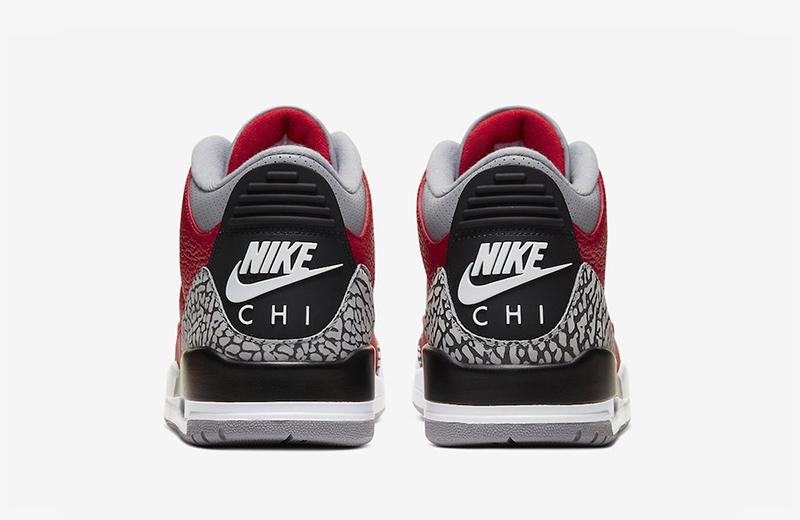 Одна измоделей дополнена надписью «Nike CHI», усиливающей связь релиза сЧикаго