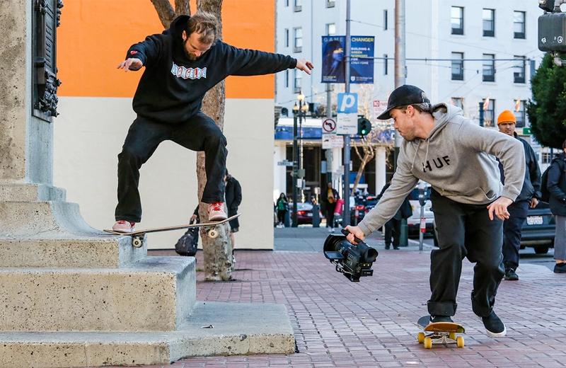 Участник команды StrangeLove Skateboards